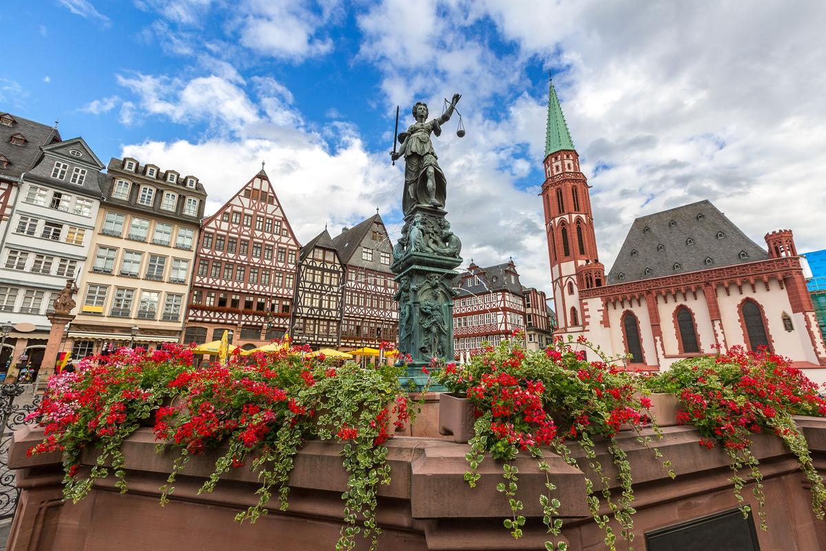 Self Drive Car Rentals In Frankfurt Am Main From 1 496 Day