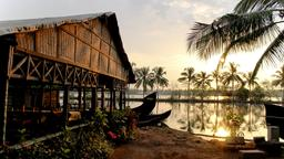 Find cheap flights from North Holland to Kochi