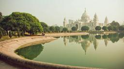 Find cheap flights from North America to Kolkata