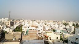 Find cheap flights from Muscat to Vadodara