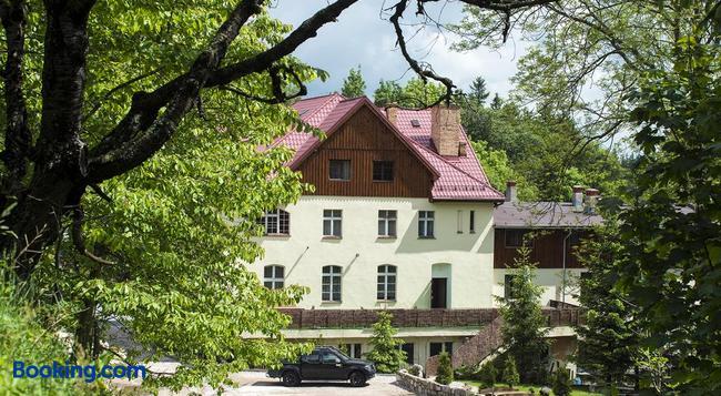 Gosciniec Lesny Dwór - Karpacz - Building