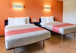 Motel 6 Mount Pleasant, TX - Mount Pleasant - Bedroom