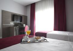 Hotel Serrano by Silken - Madrid - Bedroom