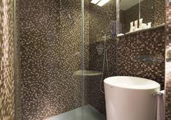Sophie Germain - Paris - Bathroom