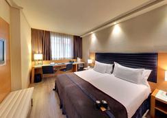 Hotel Silken Indautxu Bilbao - Bilbao - Bedroom