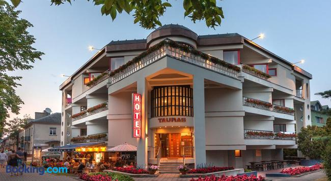 Tauras Center Hotel - Palanga - Building