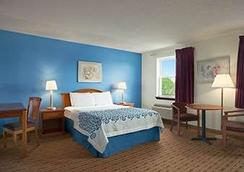 Days Inn Lancaster PA Dutch Country - Ronks - Bedroom