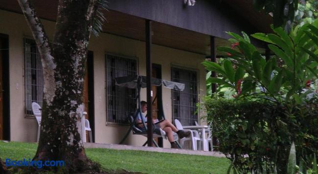 La Purruja Lodge - Golfito - Building