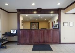 Americas Best Value Inn - St Robert - Lobby