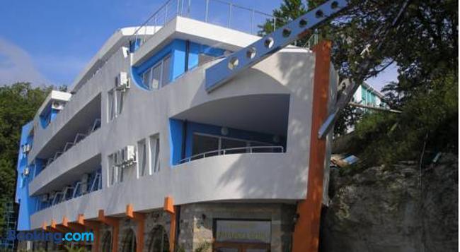 Ribarska Sreshta Family Hotel - Tsarevo - Building