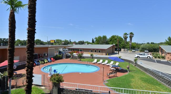 Americas Best Value Inn - Red Bluff - Red Bluff - Building