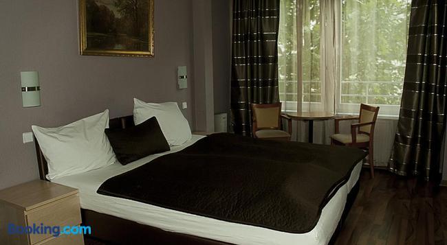 Pension Levi - Berlin - Bedroom