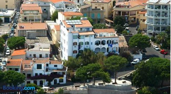 Acacia Appartamenti - Cala Gonone - Building