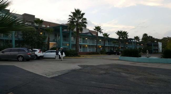 Stay Express Inn Near Ft. Sam Houston - San Antonio - Building