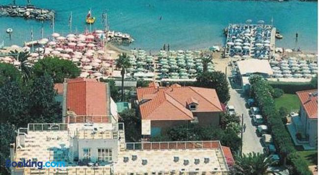 Casavacanze Internazionale - Diano Marina - Building