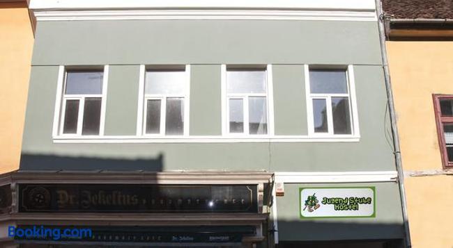 JugendStube Hostel - Brasov - Building