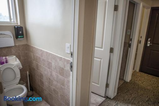 Casa Loma Hotel - San Francisco - Bathroom