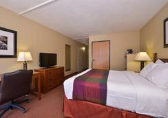 Best Western Branson Inn And Conference Center - Branson West - Bedroom