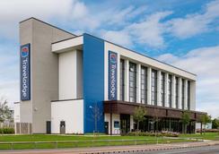 Tl Darlington - Darlington - Building