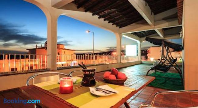 Guest House Oliveira - Boliqueime - Building