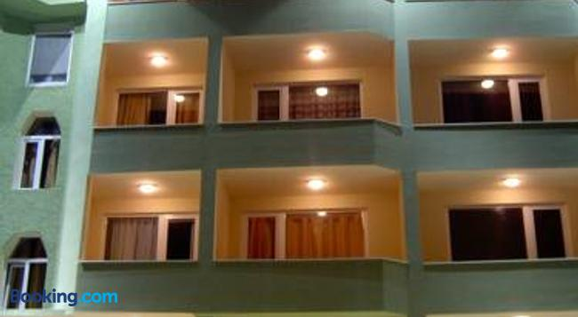 Paralax Hotel - Varna - Building