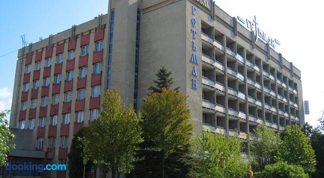 Hetman Hotel - Lviv - Building