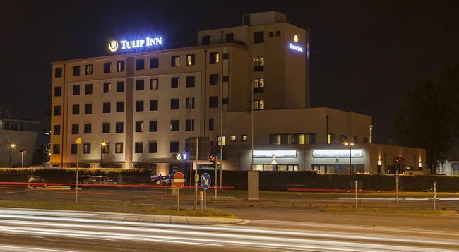 Tulip Inn Padova - Padua - Building