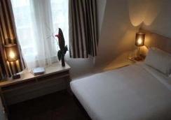 Villathena 2 - Paris - Bedroom
