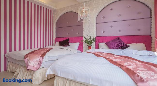 Shuian Lakeside Hotel - Nantou City - Bedroom
