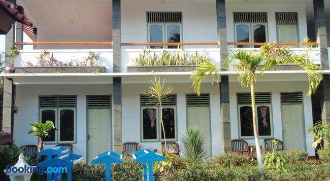 Mango Guesthouse - Pangandaran - Building