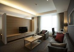 Best Western Gunsan Hotel - Gunsan - Bedroom
