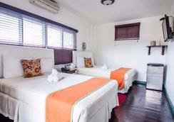Altamont West Hotel - Montego Bay - Bedroom