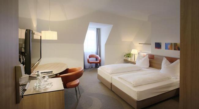 Hotel am Jakobsmarkt - Nuremberg - Bedroom