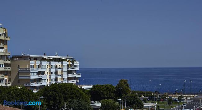 B&B Hotei - Catania - Building