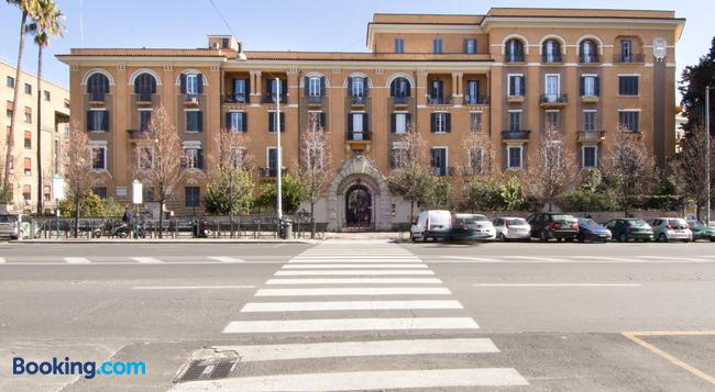 Alex Place - Rome - Building