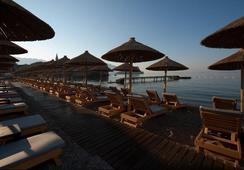 Avala Resort & Villas - Budva - Beach