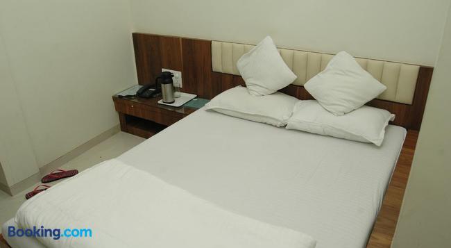 Hotel Causeway - Mumbai - Bedroom