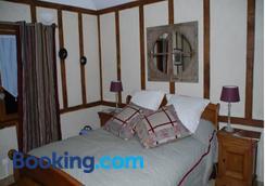 Chambres d'Hôtes La Petite Flambée - Lyons-la-Forêt - Bedroom