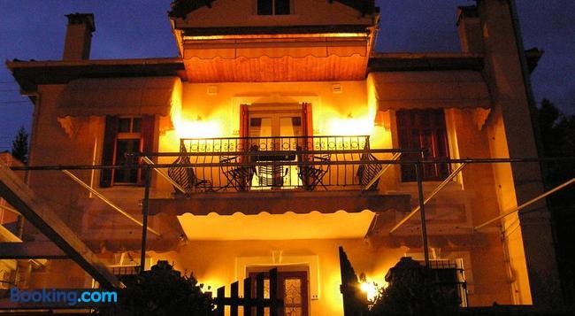 Venetula's Mansion - Kastoria - Building