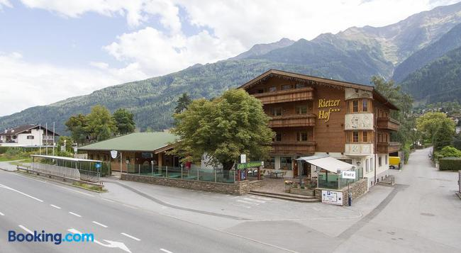 Hotel Rietzerhof - Telfs - Building