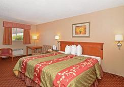 Americas Best Value Inn Crosstimbers - Stephenville - Bedroom