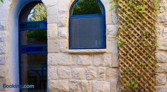 Artist Quarter Guesthouse B&B - Safed - Building