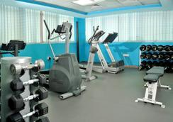 Tulip Inn Sharjah - Sharjah - Gym