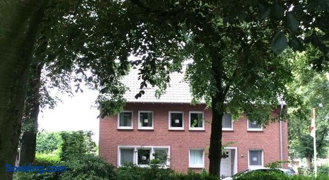 Bed & Breakfast Haus Unter Den Linden - Emmerich - Building