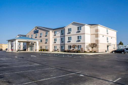 Comfort Inn & Suites - Fremont - Building