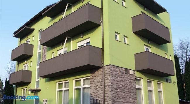 Pansion Komfor Fitea - Osijek - Building