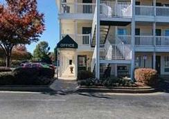 Intown Suites Smyrna - Smyrna - Outdoor view