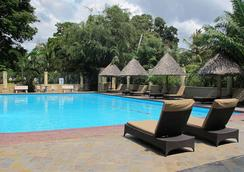 Colosseum Hotel & Fitness Club - Dar Es Salaam - Pool