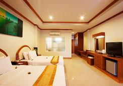 Blue Ocean Beach Resort - Patong - Bedroom