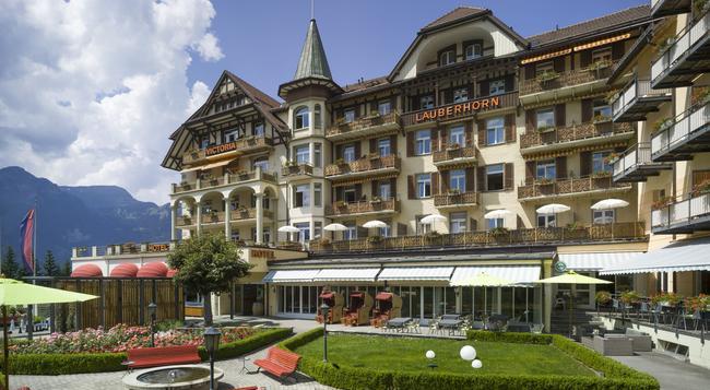 Hotel Victoria-Lauberhorn - Wengen - Building